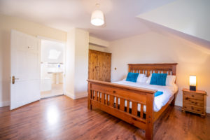 Forestside House Double-Room-2-300x200 Homepage